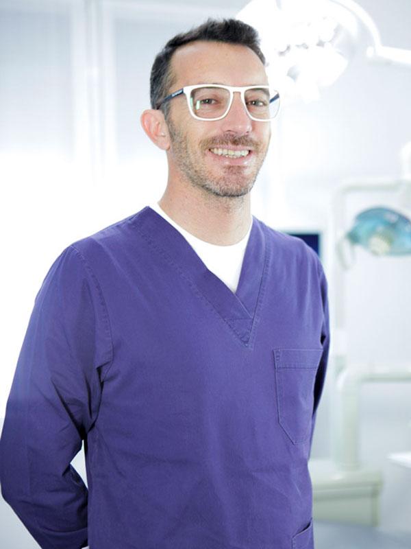 Emanuele Riva dello studio dentistico Riva